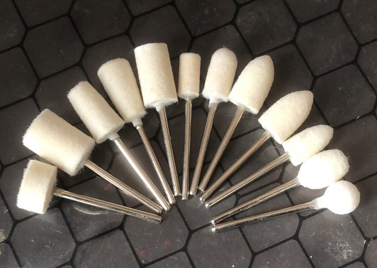 Felt Polish Heads Set of 12 2.35mm Shaft