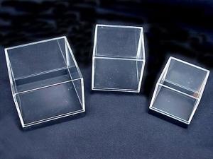 CRYSTAL SHOWCASE 50 x 50 x 45mm
